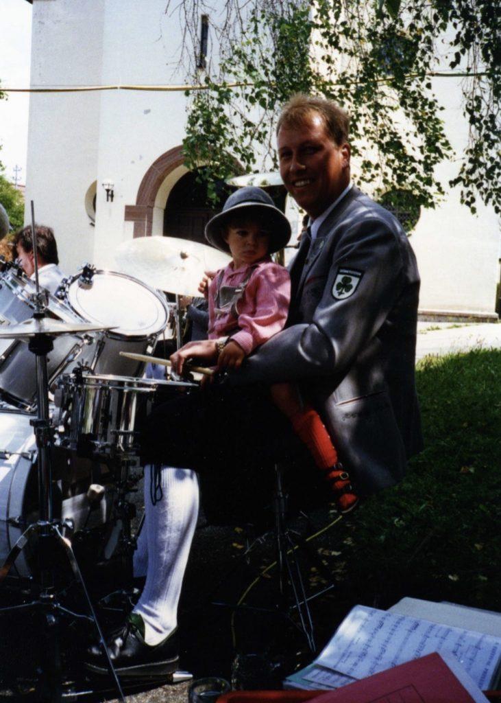 Georg am Schlagzeug